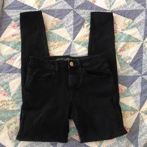 Black high rise American Eagle skinny jeans!!